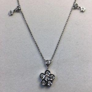 18 K solid white gold round diamonds pendant